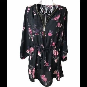 Justify Floral Tunic  Blouse 1/4 ZIP size large